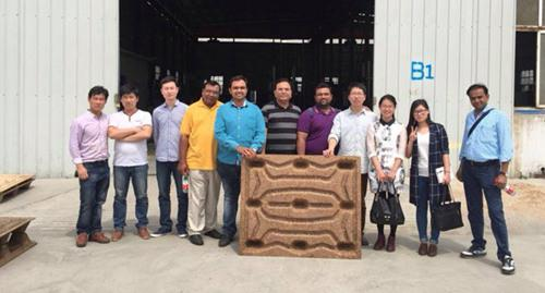 Customers from India visited wood pallet pressing machine factory